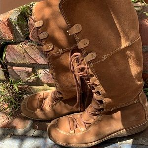 Brown outdoorsy boots, high quality
